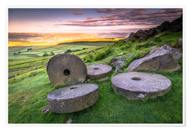 Poster Premium  Stanage Edge millstones at sunrise, Peak District National Park, Derbyshire, England, United Kingdom - Andrew Sproule