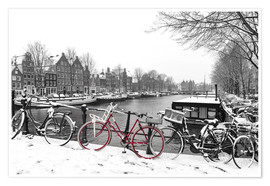 Poster Premium  Red bicycle in the snow - George Pachantouris