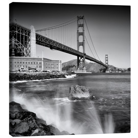 Stampa su tela  Golden Gate Bridge with breakers - Melanie Viola