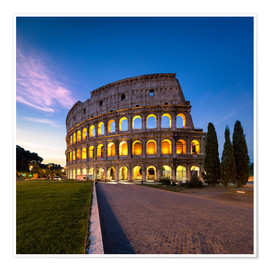 Poster Premium The Colosseum at night in Rome, Italy