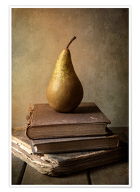 Poster Premium Still life with pile of book and pear