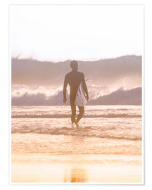 Poster Premium Lonely surfer on the beach