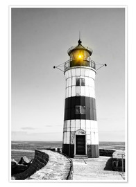 Poster Premium  Lighthouse with yellow light
