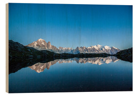 Stampa su legno  Mont Blanc reflected in Lacs des Chéserys, France - Roberto Sysa Moiola