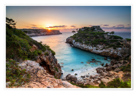 Poster Premium Sunrise with beautiful bay, Majorca, Spain