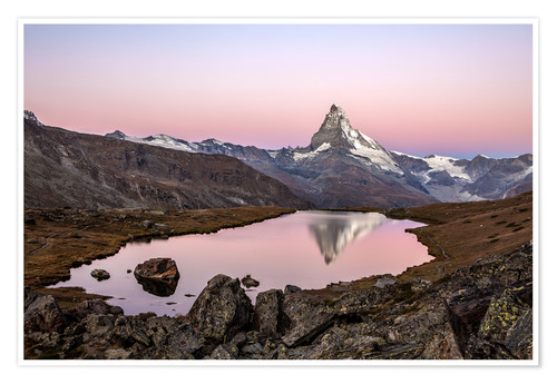Poster Premium Matterhorn reflected in Lake Stellisee, Switzerland