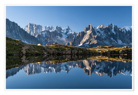 Poster Premium Grandes Jorasses reflected in Lac De Cheserys, France