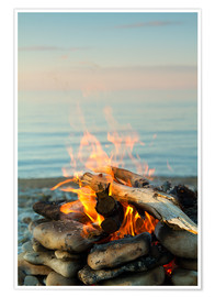 Poster Premium Inviting campfire on the beach