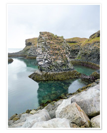 Poster Premium Rocky coastal scenery in Iceland