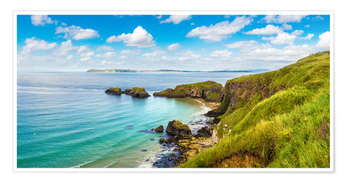 Poster Premium Coast of Northern Ireland on a beautiful summer day