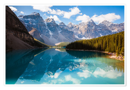 Poster Premium Beautiful Moraine lake in autumn, Canada