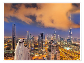 Poster Premium Arab man looks over Dubai