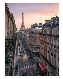 Poster Premium Street in Paris with Eiffel tower at sunset