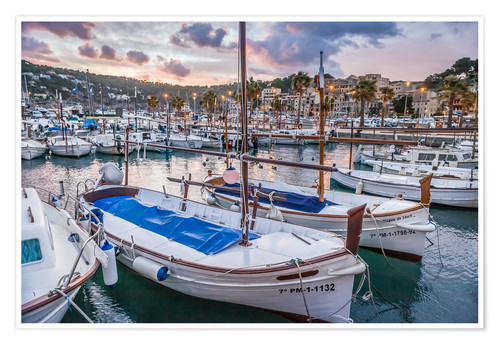 Poster Premium Evening mood in the port of Port Soller (Mallorca)