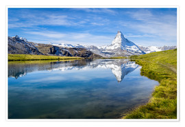 Poster Premium  Matterhorn and Stellisee in the Swiss Alps, canton of Valais, Switzerland - Jan Christopher Becke
