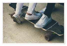 Poster Premium Feet of two teenagers on skateboard