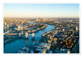 Poster Premium  High view of London skyline along the River Thames from Tower Bridge to Canary Wharf, London, Englan - Fraser Hall