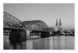Poster Premium Hohenzollern Bridge and Cologne Cathedral black-and-white