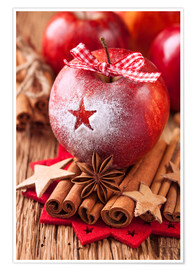Poster Premium Red winter apples with cinnamon sticks and anise